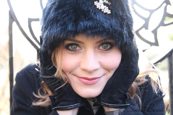 Fur hat portrait Eva Pietreniuk