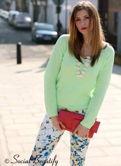 Neon & flowers spring style