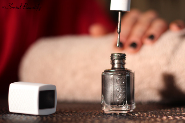 Essie Snake polish