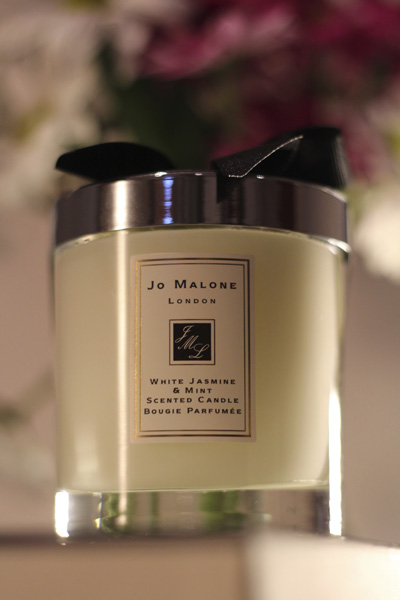 jo malone white jasmine and mint candle social. Black Bedroom Furniture Sets. Home Design Ideas